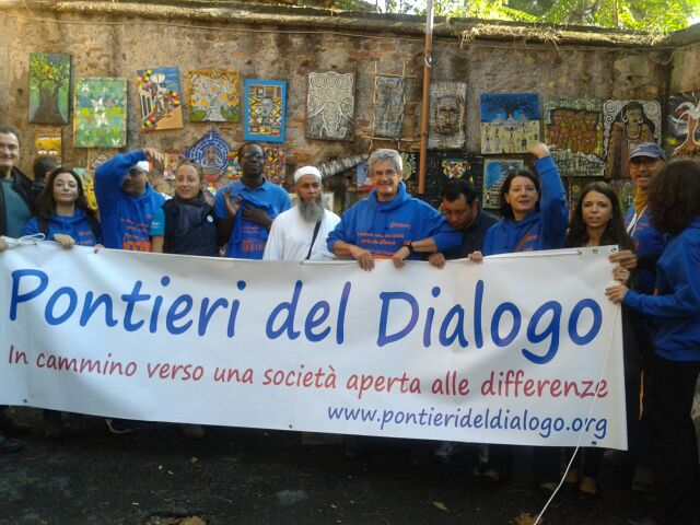 Camminare per unire culture      l'esperienza dell'associazione         Pontieri delDialogo