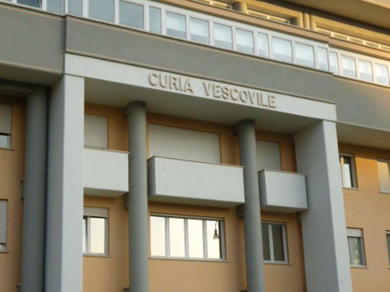 Curia (1)