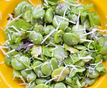insalata-di-fave-e-pecorino