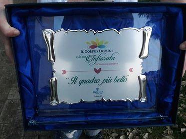 """Itri. Premio dell'Infiorata ai bambini della Scuola dell'Infanzia """"Maria ReginaImmacolata"""""""