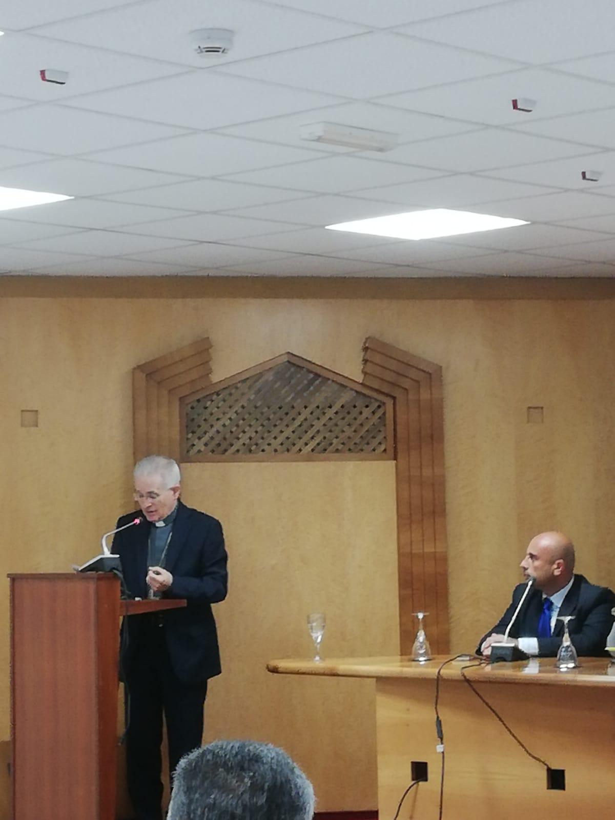 Relazione di Mons. Crociata all'incontro  pubblico di Forum015
