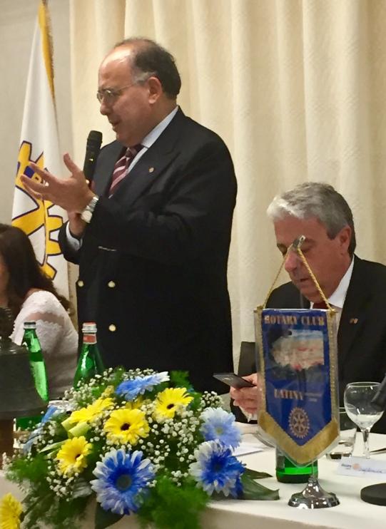 il Presidente del Rotary Bonifazi con il Rettore Gaudio (1)