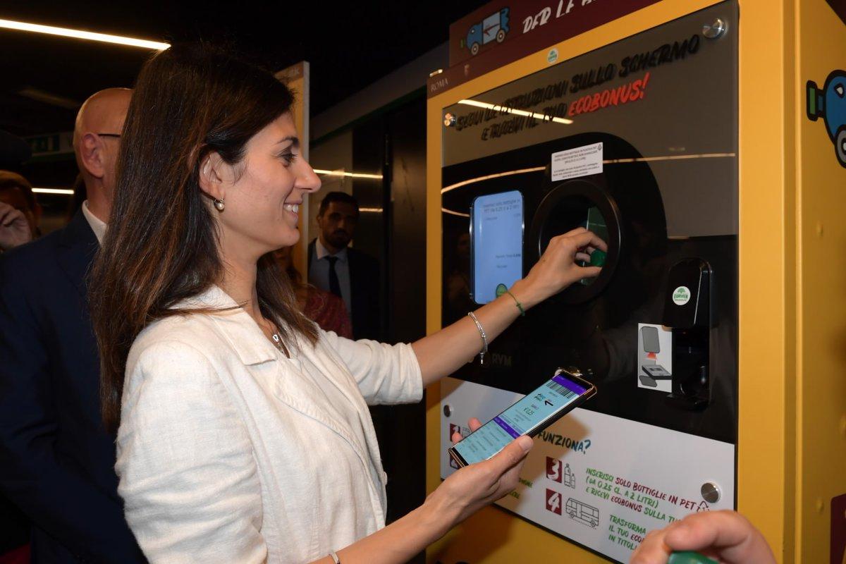 Raggi: oltre 11mila bottiglie di plastica recuperate in metro Una settimana dal lancio della campagna Atac +Ricicli+Viaggi
