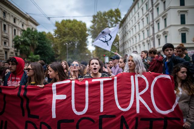 STUDENTI PREMIATI DA MATTARELLA: PROCACCINI INVITA DUE RAGAZZI DI LATINA E NETTUNO A BRUXELLES PER PARLARE DEL FUTURODELL'EUROPA
