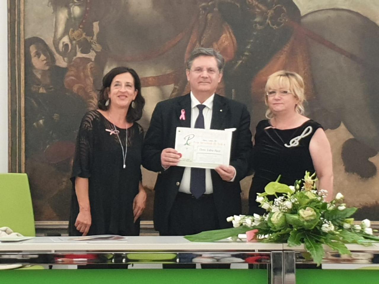 Il Prof. Fabio Ricci, senologo e direttore clinico della Breast Unit di Latina, tra i premiati della seconda edizione del Premio Internazionale allaParola