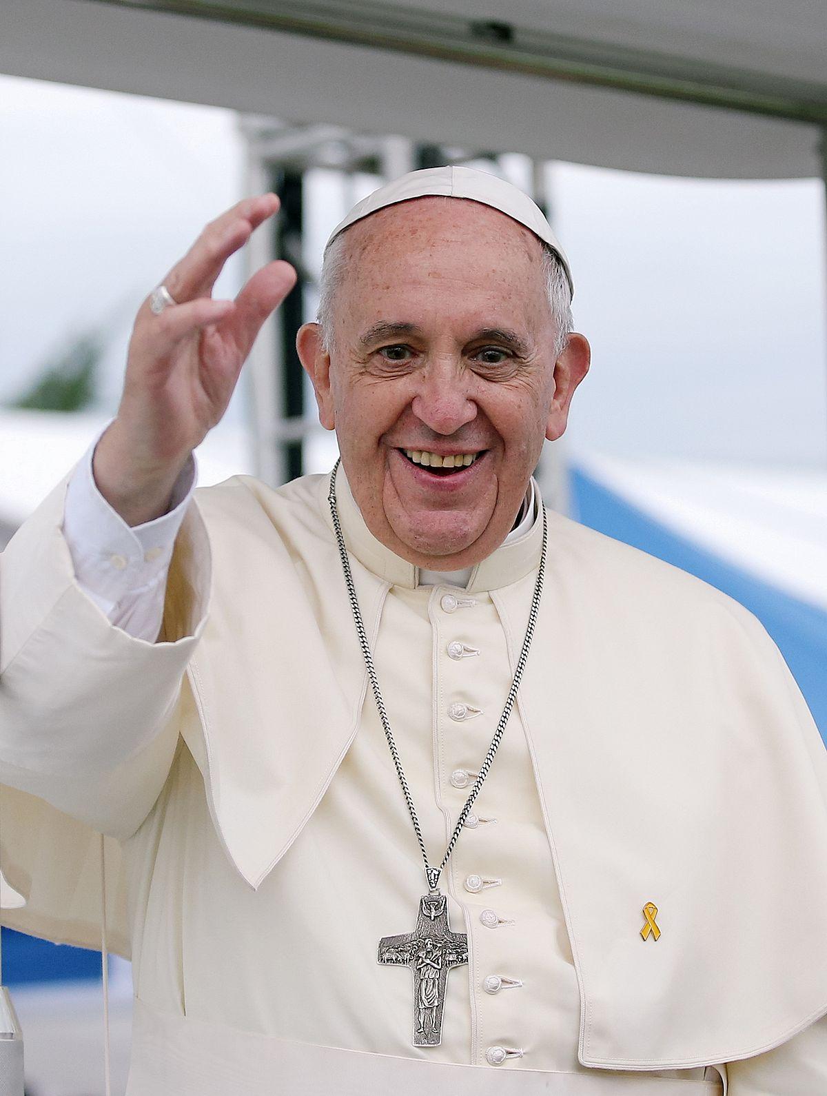 Papa: crudele ci sia cibo per tutti ma nel mondo venga sprecato=