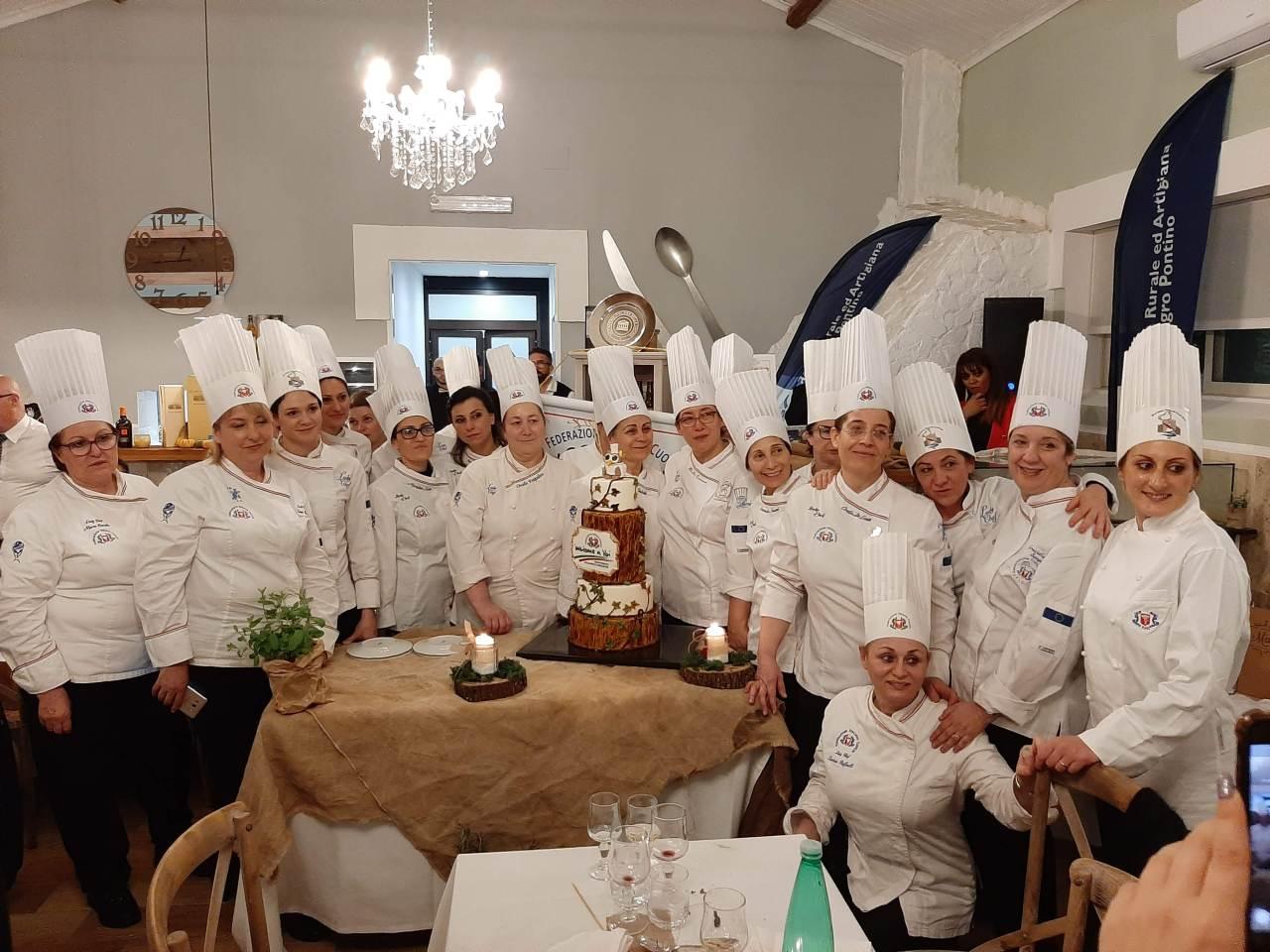 """""""Salute e Gusto in Tavola con le Lady Chef"""", buona laprima"""