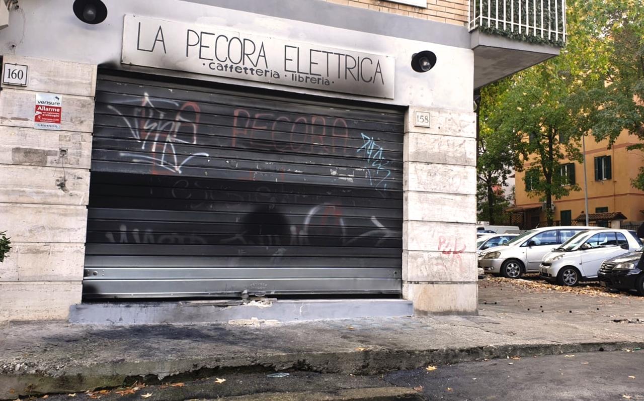 ROMA. 'PECORA ELETTRICA', TROVATO LIQUIDO INFIAMMABILE NELLOCALE
