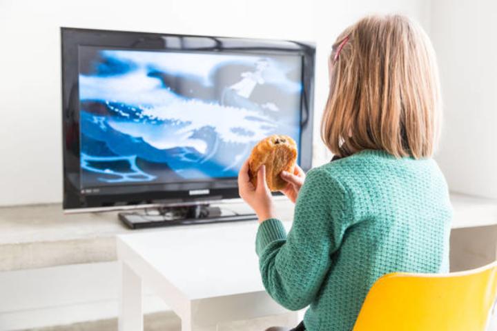 Coronavirus, Zingaretti: Tv trasmetta programmi per scuoleelementari