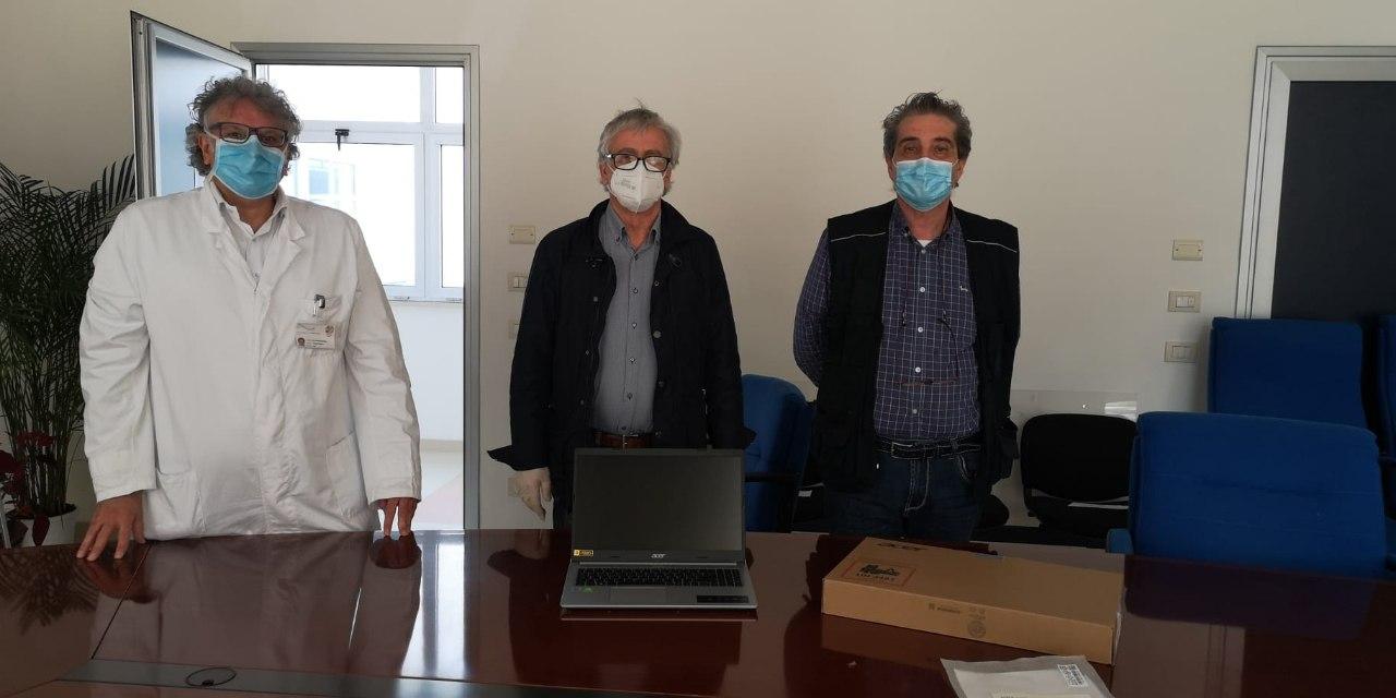 """Donazione dell'Associazione trapiantati di fegato """"Sesè Caldarini"""" all'Asl diLatina"""
