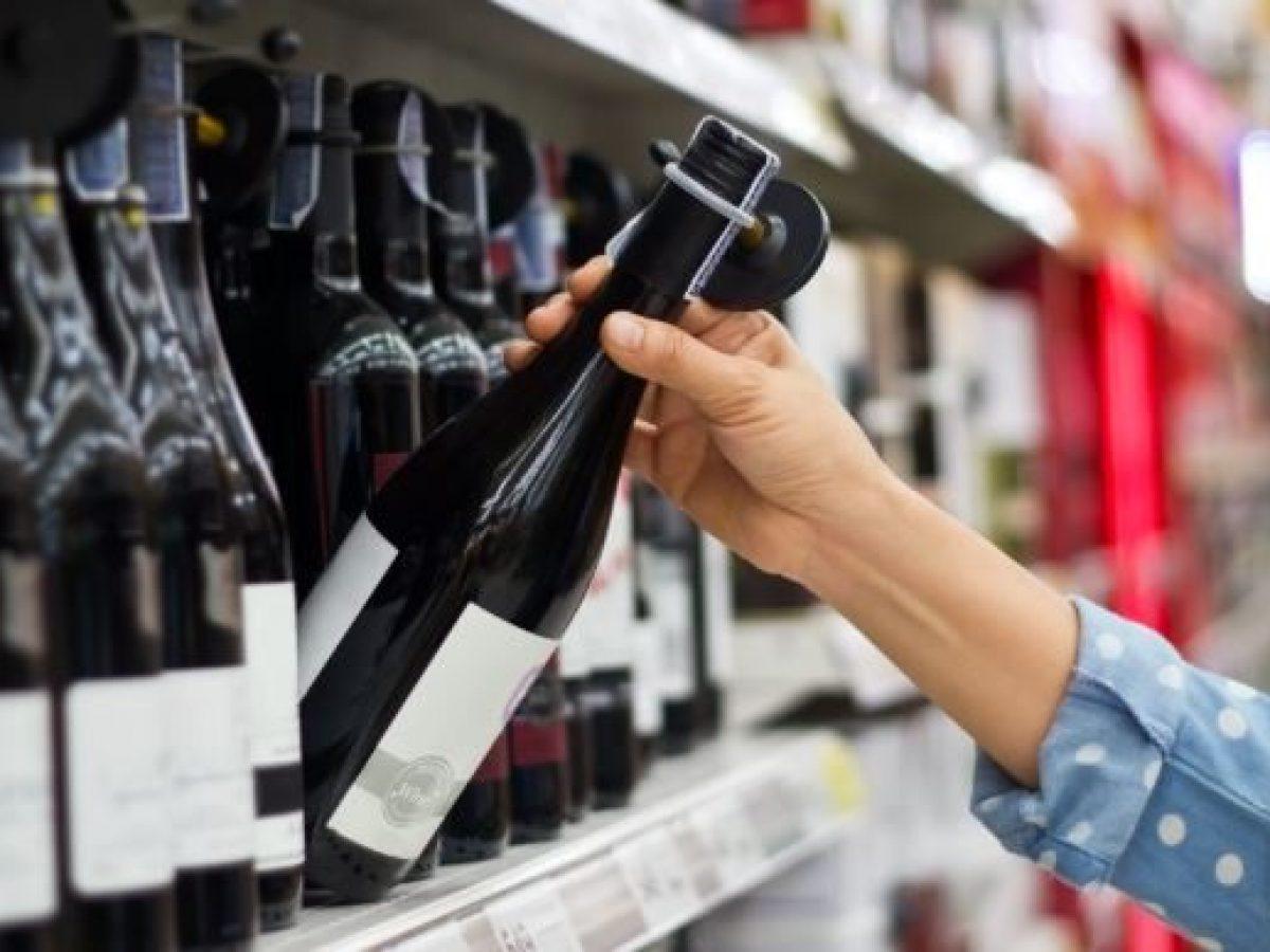 Coronavirus, Crimi: Multa per 3 bottiglie di vino come spesa? Uscite sianonecessarie