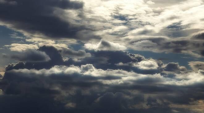 Previsto maltempo con allerta meteo 'arancione' sulla regione per 24ore