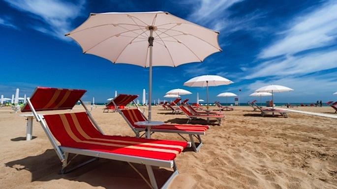 Fase 2: su spiagge distanza tra ombrelloni sara' di 5metri