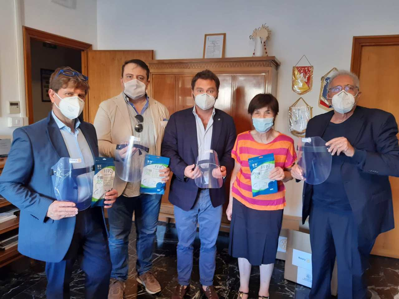 Rotary Club Latina San Marco dona Mascherine e visiere ai medici dellacittà