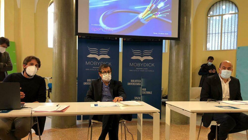 CORONAVIRUS: ZINGARETTI, 'RISPETTARE INDICAZIONI DPCM, PER UN MESE ALZARE LIVELLOGUARDIA'